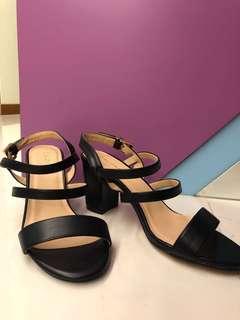 BNWB Brand new Zalora black block heels sandals
