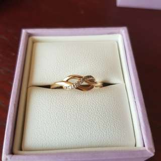 10kt ring with diamonds