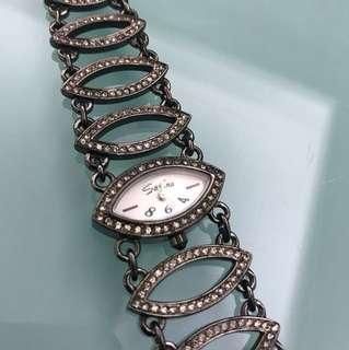 Mint Savina watch with box