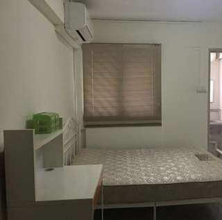 Room for Rent: Master Bedroom at Blk 325 Ang Mo Kio (near AMK MRT)