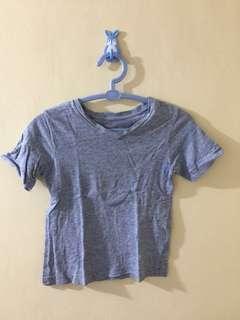 Gap v-neck shirt
