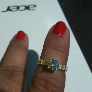 18k saudi gold ring..re stock size 6