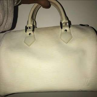 Louis Vuitton epi leather white 25'