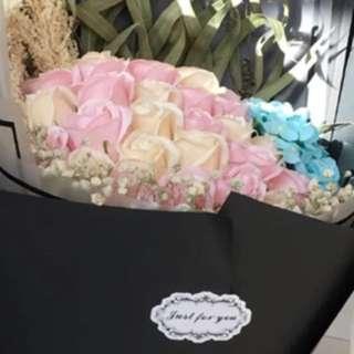 情人節 29朵玫瑰花配繍球香皂花束 超大花束永不凋謝,最後2束, 欲購從速