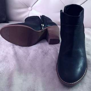 Chelsea Ankle Boots (Joe Fresh)