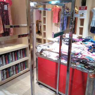 4 Way Display Rack (good For Bags And Clothing At Retail Shop)