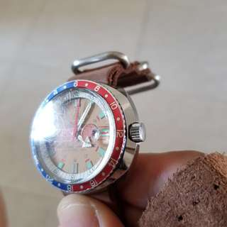 Vintage diver pespi bazel 100m all work well.wat y c wat u get.tks.a winding watch.