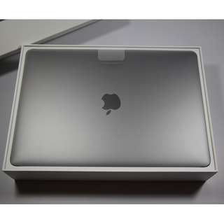 "Brand New 13"" MacBook Pro 2017 model(2450sgd)"