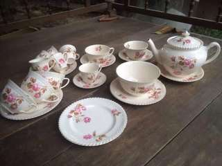 tea set johnson bros
