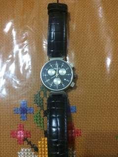 Jam tangan Louis vuitton (LV)