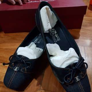Ferragamo denim kitten heels size 6.5