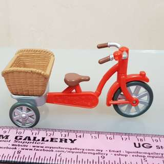 Toy tricycle with basket for dolls/figures