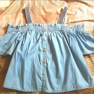 一字膊上衣一字領排扣橡筋領有彈性短袖淨色純色淺藍色牛仔布上衣女裝直條紋吊帶