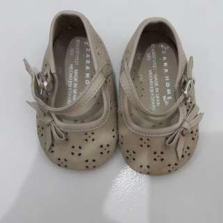 Sepatu baby merk zara kids