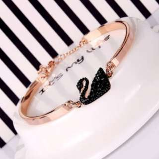 Korean Little Black Swan Rose Gold bracelet (5 pieces available)