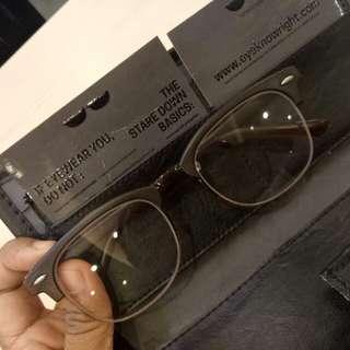 Eye Know Right Eyeglass