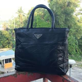 Prada Bag ( LEATHER )