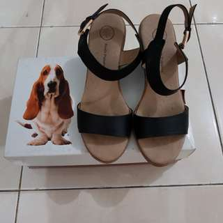 Wedges Hushpuppies