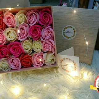 Pink Soap Roses Gift Box