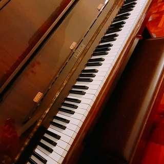 二手名廠歐洲PETROF鋼琴