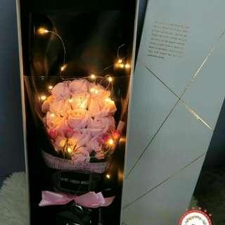 21 Led Rose Bouquet