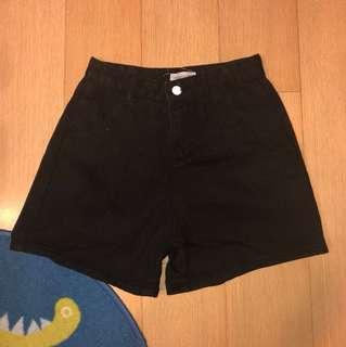 高腰黑色牛仔褲