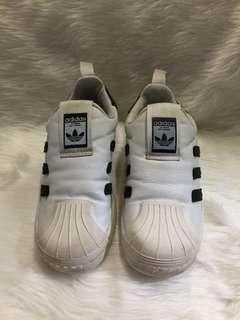 Adidas slip on size 31