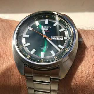 Seiko Automatic Classic green dail Case size 44mm