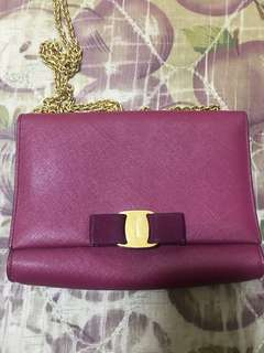 Ferragamo authentic chain bag 袋
