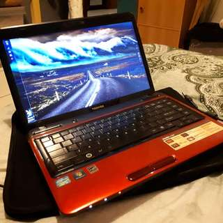Toshiba Satellite L745 core i3 500gb hdd murah merah