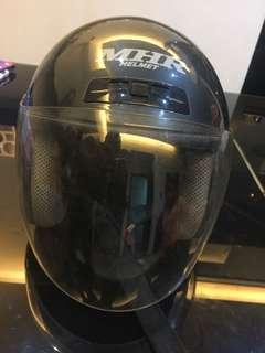 Helmet : L