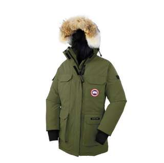 著不過十次 Canada Goose Expedition Parka Size S $3000