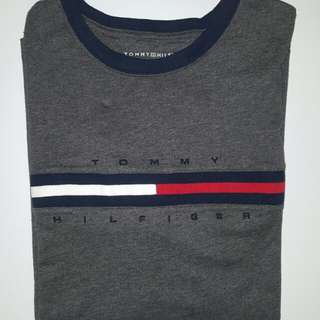 Tommy Hilfiger long flag tee