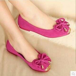 Flat butterfly ribbon shoe