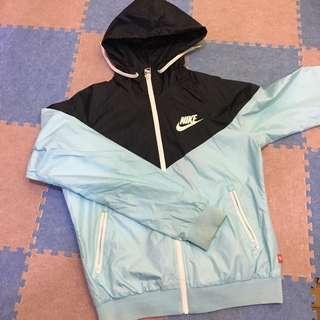 Nike 防風淺藍外套