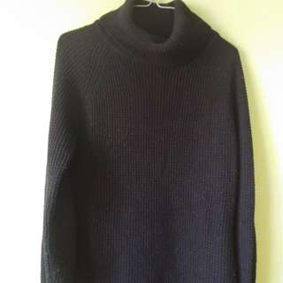M boutique waffle knit turtle neck black sweater xs