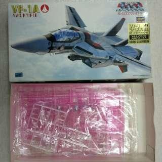 2000 1\72 超時空要塞 MACROSS VF-1A 限定版 粉紅 透明 特別版 (只限天水圍西鐵站面交)