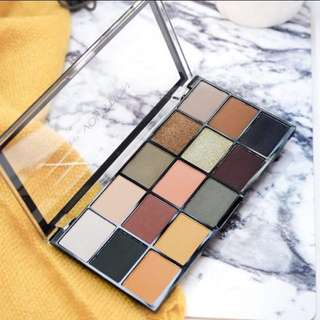 makeup revolution iconic division eyeshadow palette