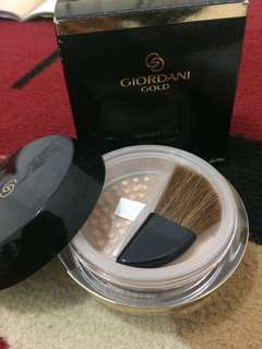 Giordani Gold Invisible Touch Loose Powder