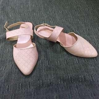 Sepatu Pink Soft