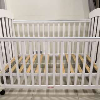 Baby Cot 4 in 1 convertible
