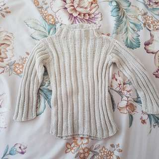 Knitted top for winter