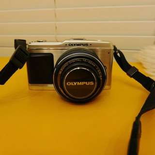 Olympus Pen E-P1 Micro Four Thirds Interchangeable Lens Digital Camera