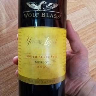 💯Wolf Blass Yellow Label Merlot 2010