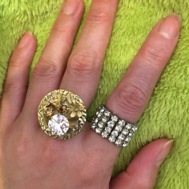 介指2枚 蠻新 ✨金色介指購入1千多 滿鑽的幾百塊