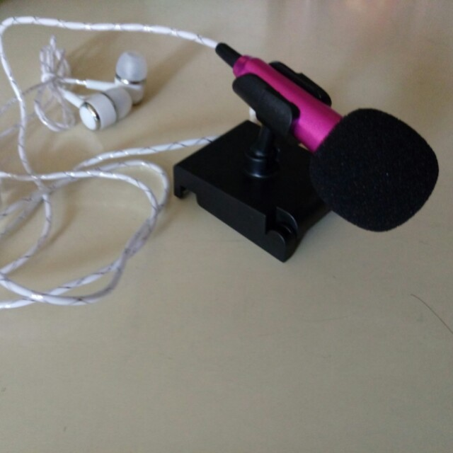 耳機麥克風(麥克風沒聲音the microphone can't function,但懶得退貨了)