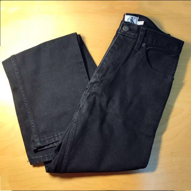 黑色直筒牛仔褲