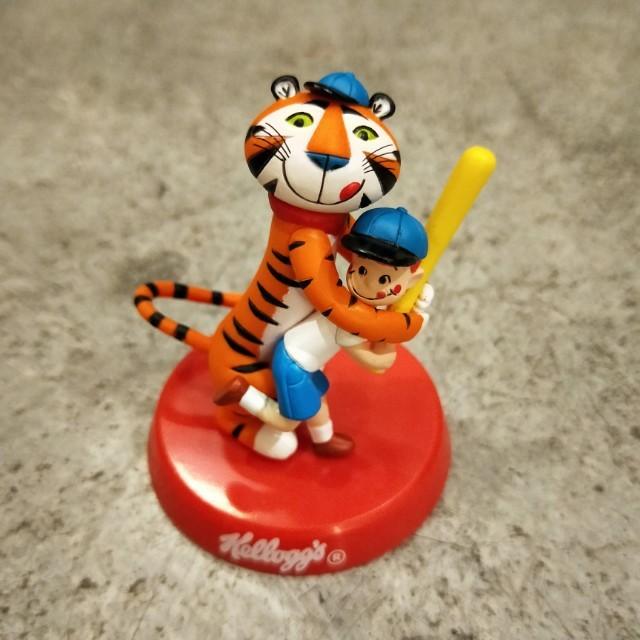 日本 2004  家樂氏 東尼虎 玉米片 早餐 企業公仔 玩具 收藏 絕版 擺飾  桌上小物 可愛 虎 棒球 人物 人偶