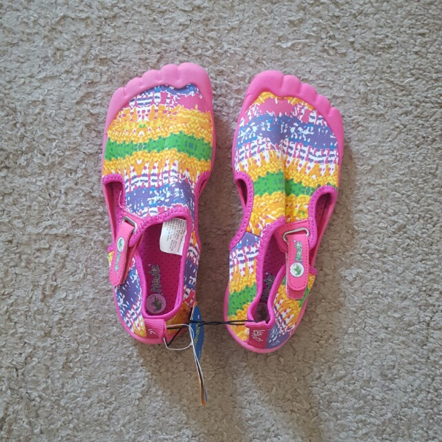Aqua/beach shoes
