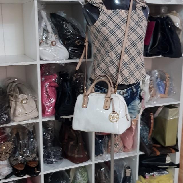 Authentic Michael Kors Sling Bag(C#MKSB-05)